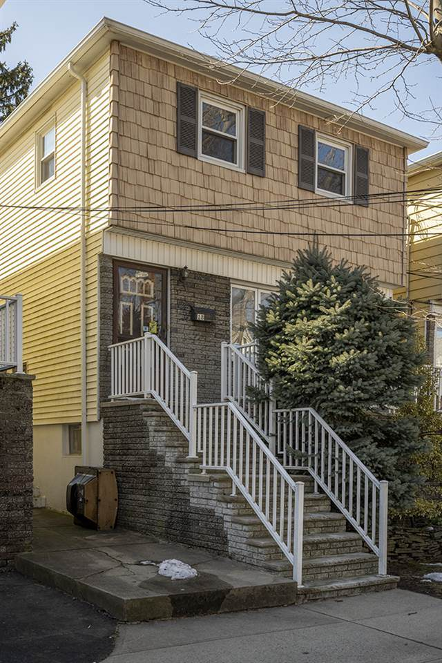 18 East 10Th St, Bayonne, NJ 07002 (MLS #210005150) :: Provident Legacy Real Estate Services, LLC