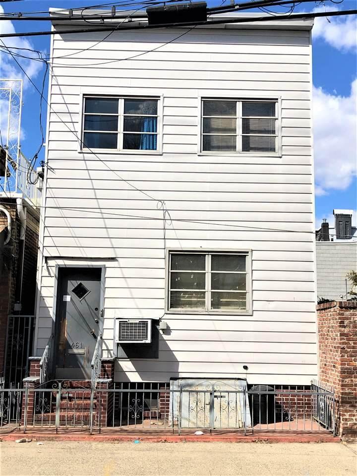 461 Baldwin Ave - Photo 1