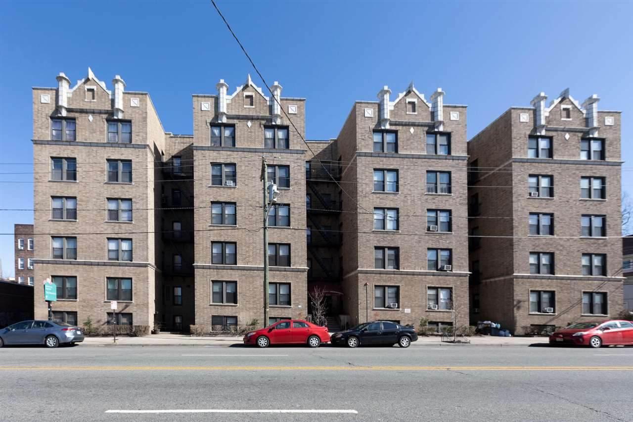 2700 Kennedy Blvd - Photo 1