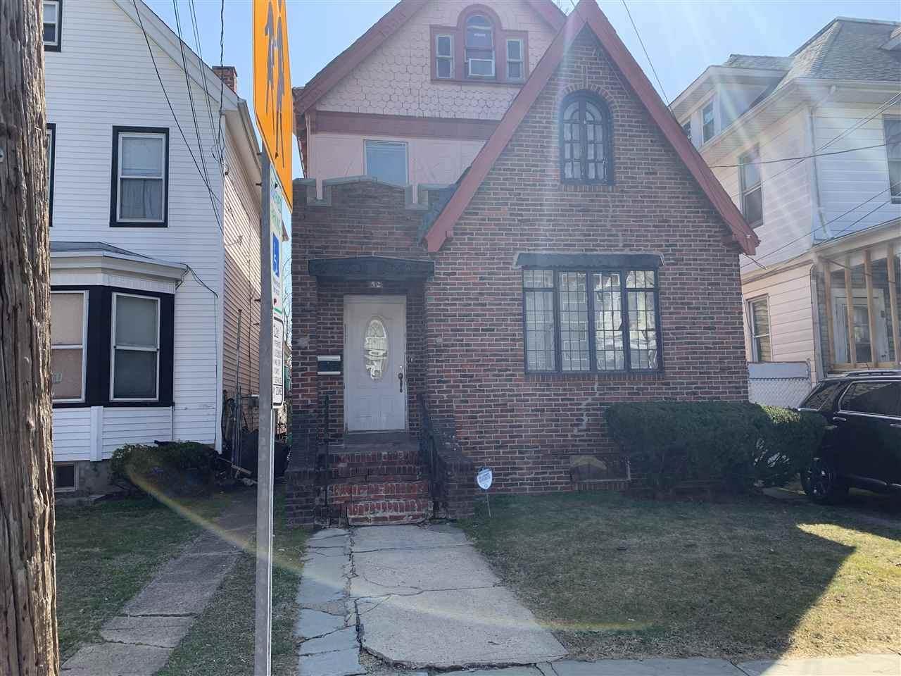 52 Myrtle Ave - Photo 1