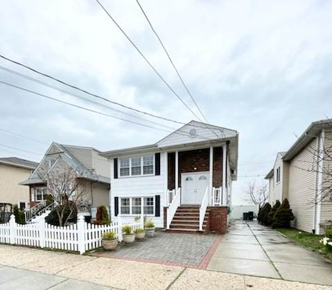 73 Country Village Rd, Jc, West Bergen, NJ 07305 (MLS #210007594) :: Hudson Dwellings