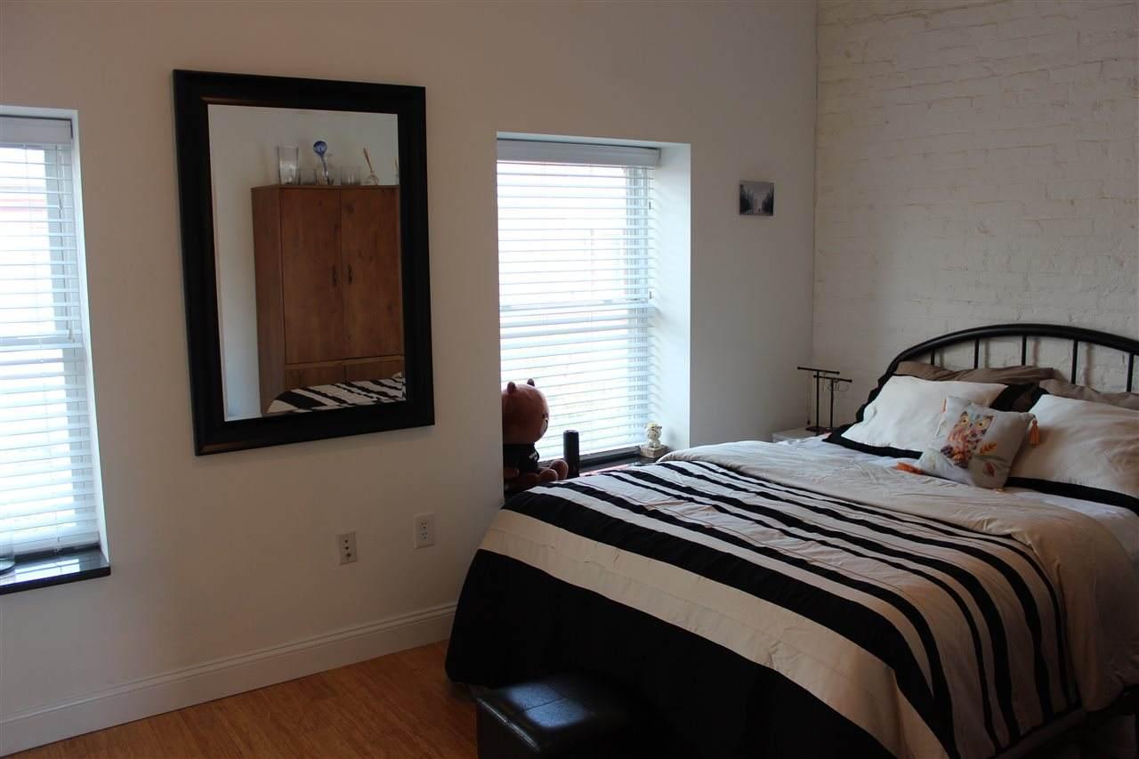 420 Bloomfield St - Photo 1