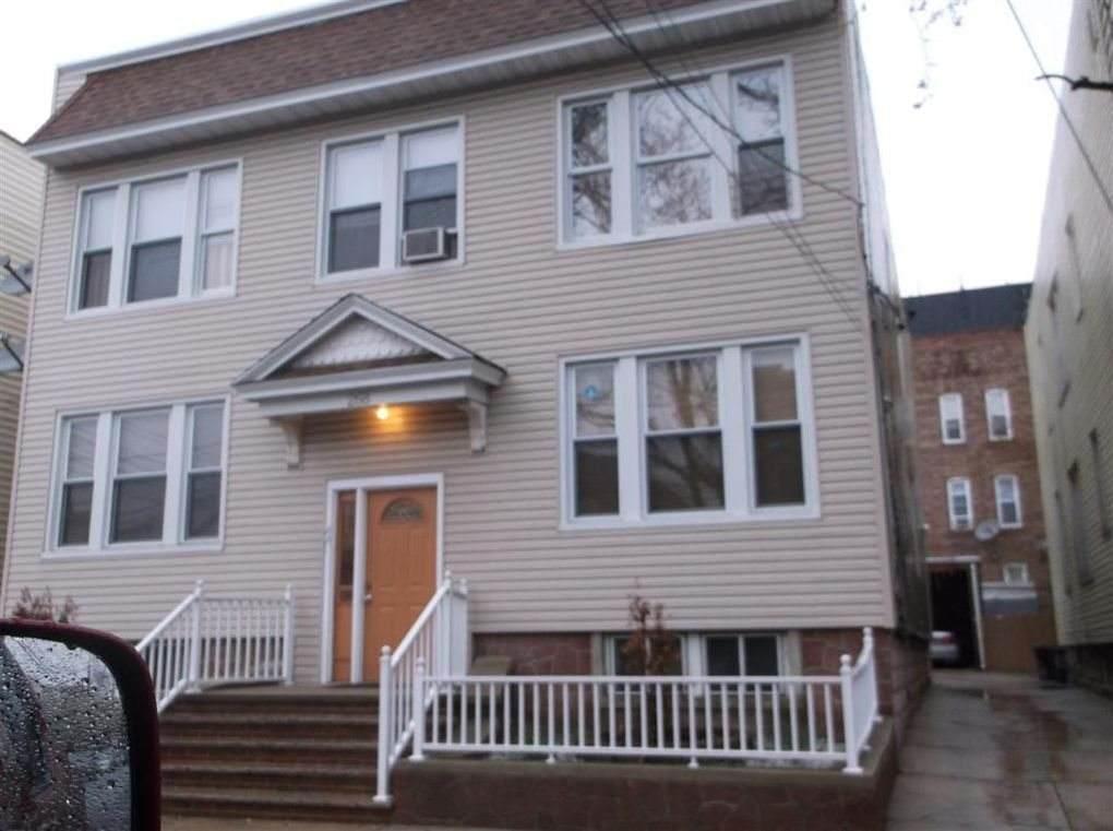 268 Lexington Ave - Photo 1