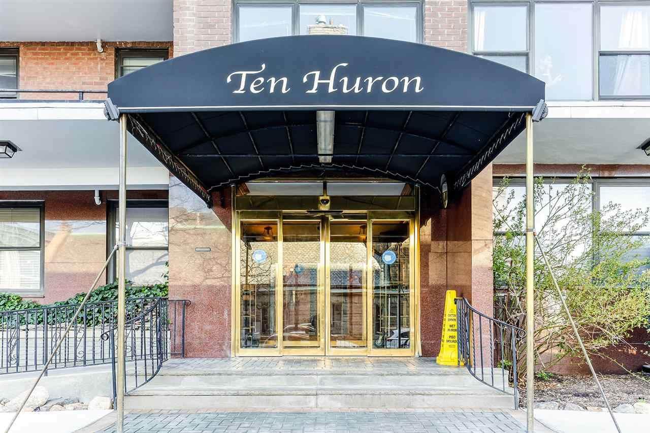 10 Huron Ave - Photo 1