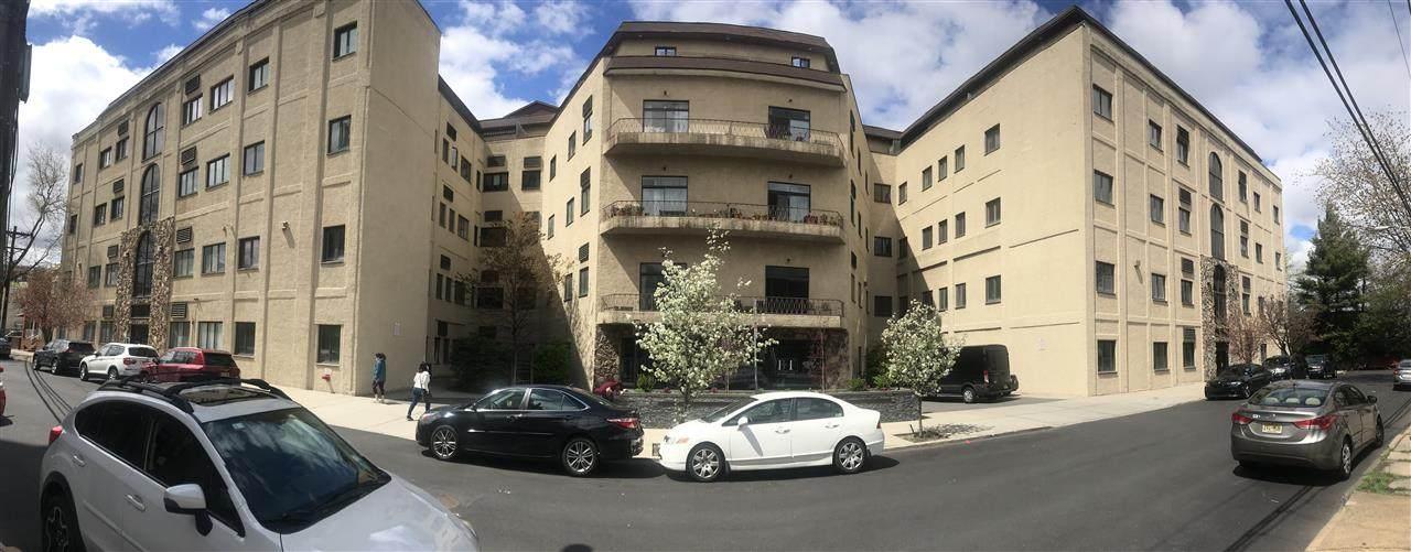 75 Liberty Ave - Photo 1