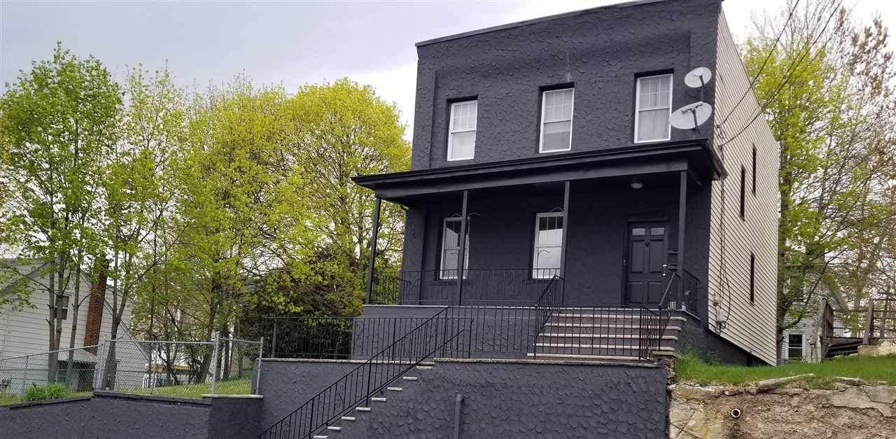 754 New York Ave - Photo 1