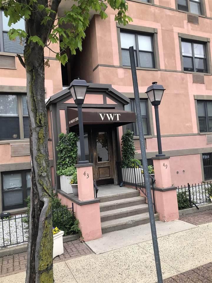 43-49 Van Wagenen Ave - Photo 1