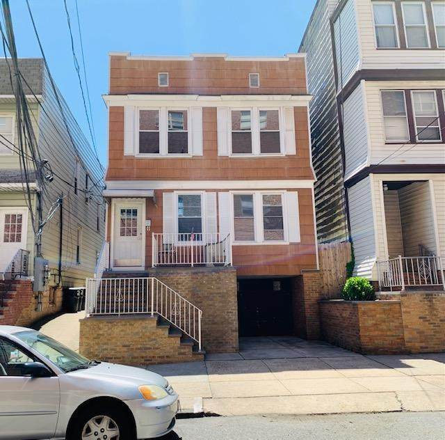 26 East 29Th St, Bayonne, NJ 07002 (#210011024) :: Daunno Realty Services, LLC