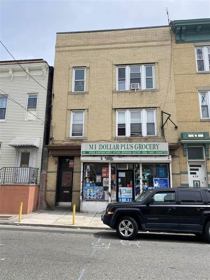 426 Baldwin Ave - Photo 1