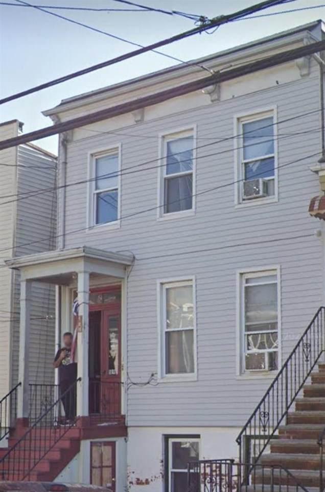 189 Hutton St - Photo 1