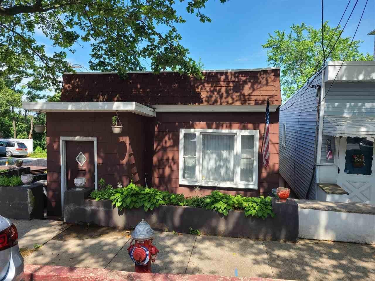 159 Liberty Ave - Photo 1