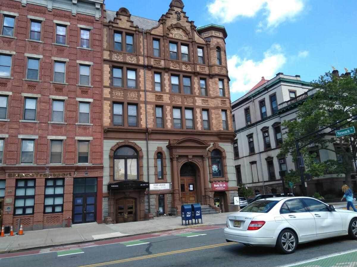 84 Washington St - Photo 1