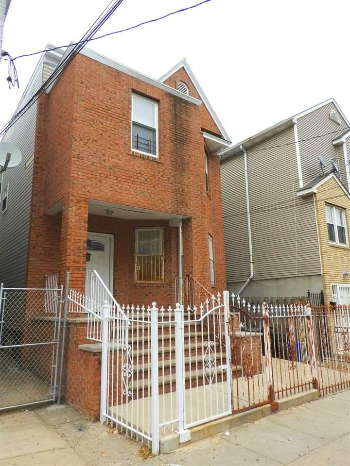 158 Wilkinson Ave - Photo 1