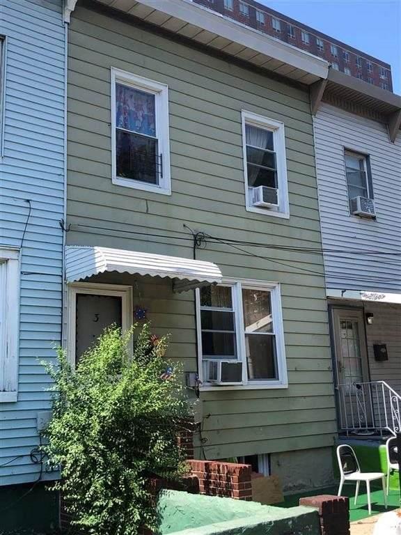 3 Rademan Pl #1, Jc, Downtown, NJ 07310 (MLS #210018453) :: The Dekanski Home Selling Team