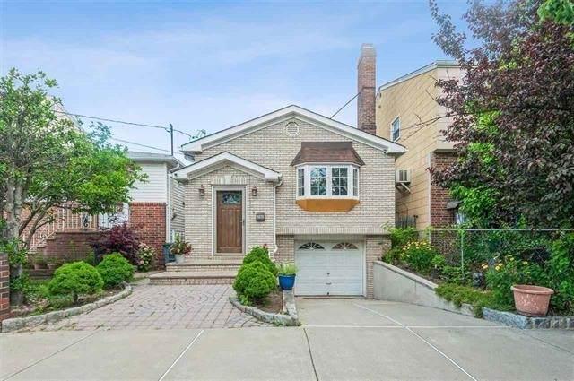 18 Suburbia Ct, Jc, West Bergen, NJ 07305 (MLS #210018462) :: Team Francesco/Christie's International Real Estate