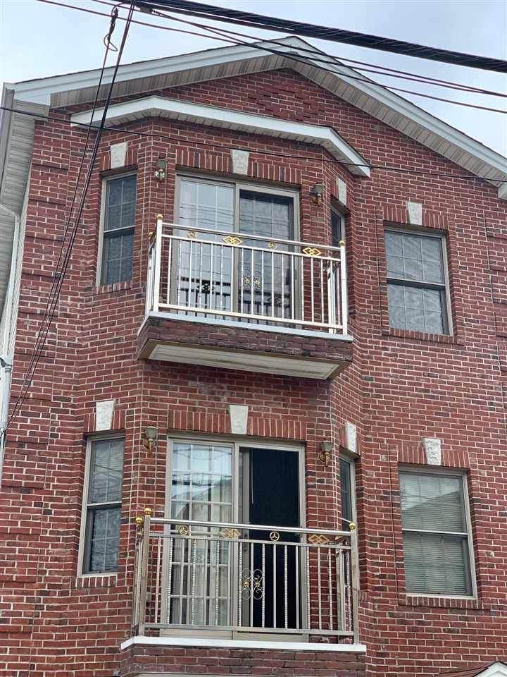 493 Liberty Ave - Photo 1