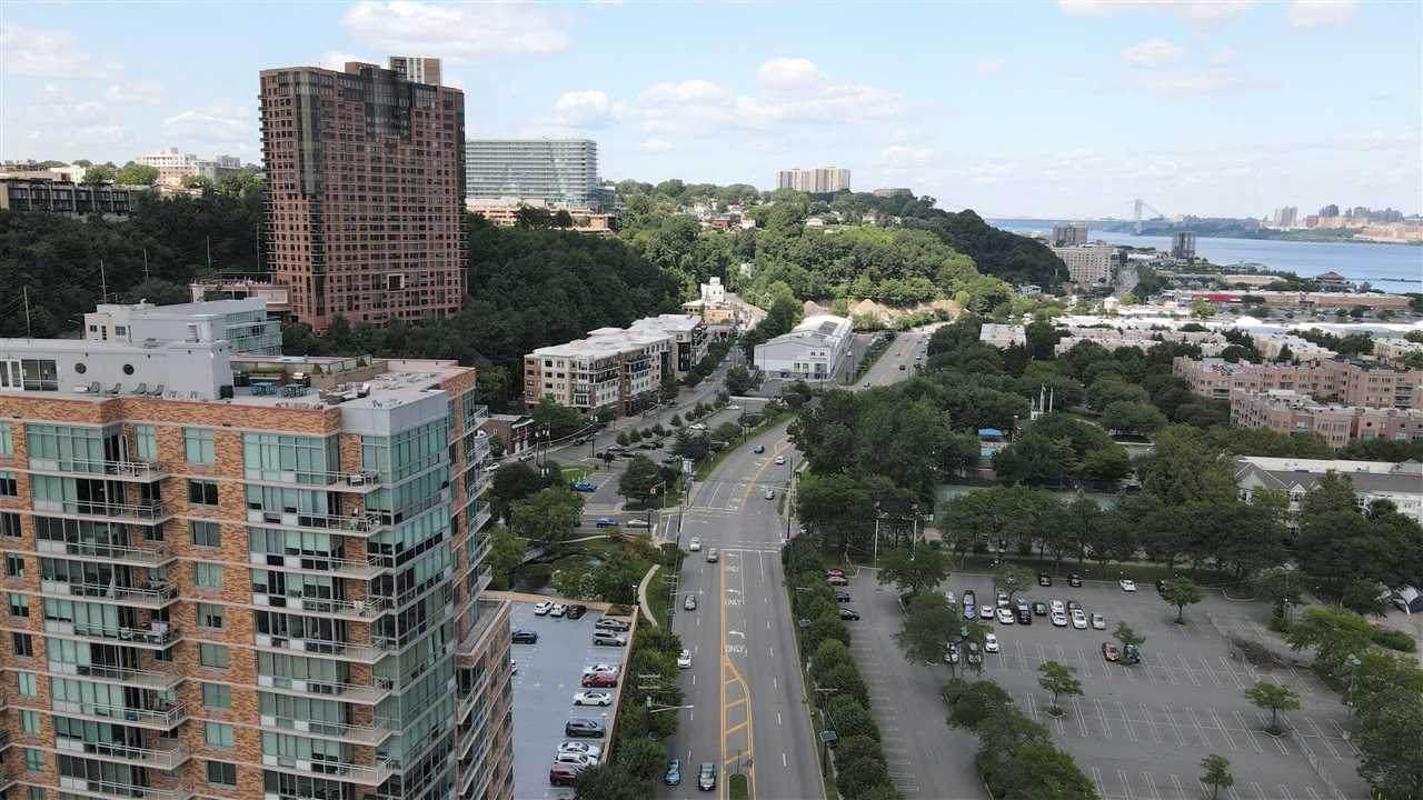 909 Hudson Park - Photo 1