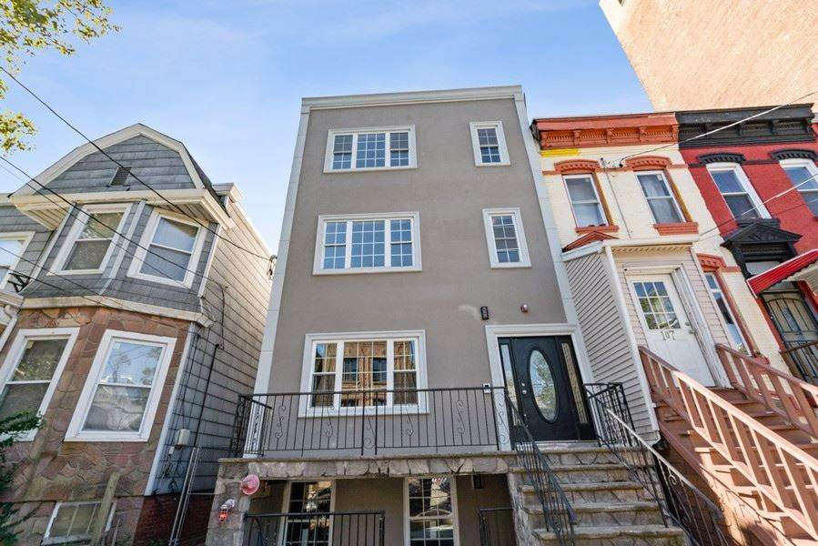 105 Storms Ave - Photo 1
