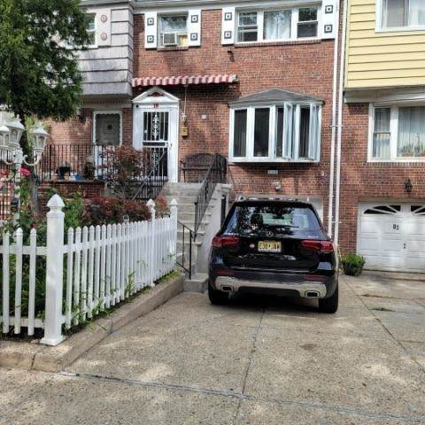 16 Gifford Ave - Photo 1