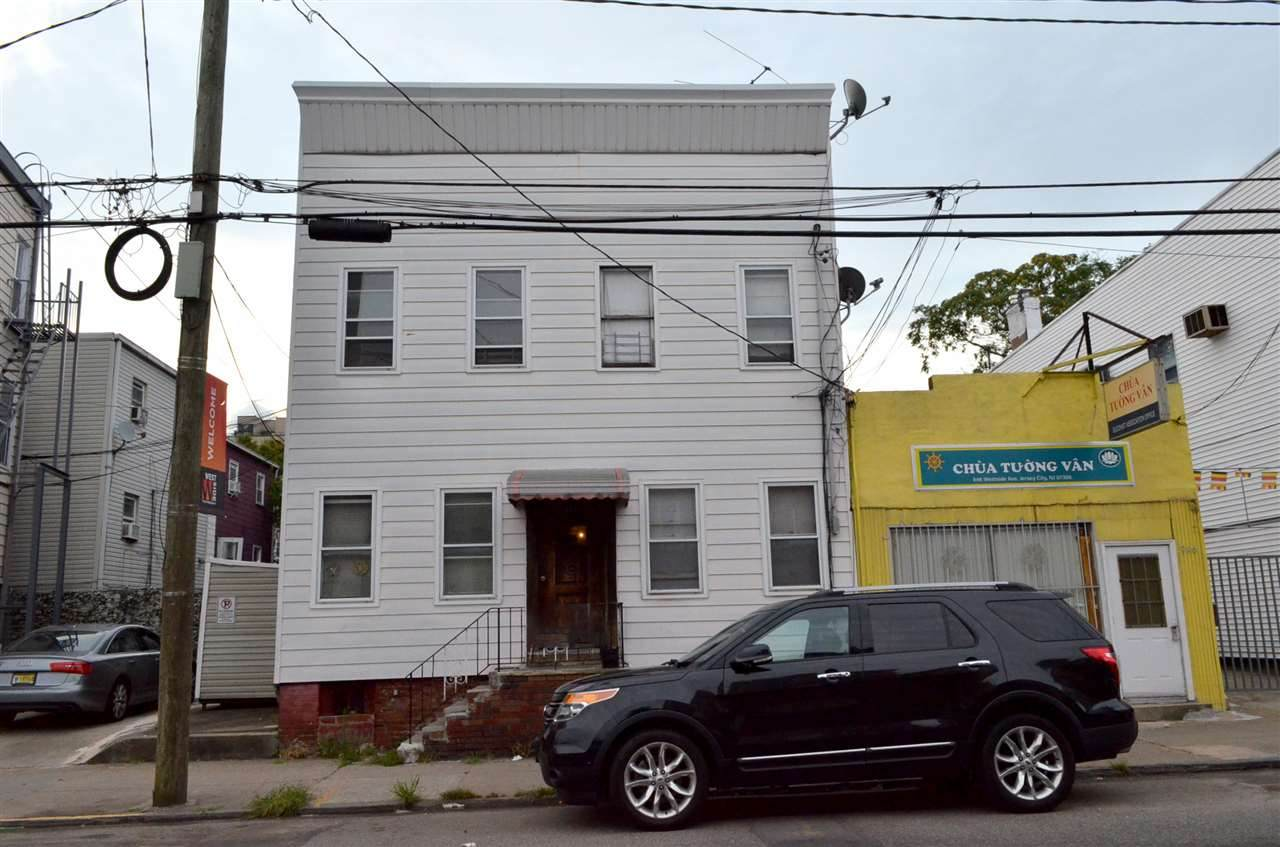 948 West Side Ave - Photo 1