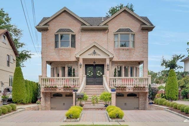 561 Abbott Ave, Ridgefield, NJ 07657 (MLS #210021231) :: Trompeter Real Estate