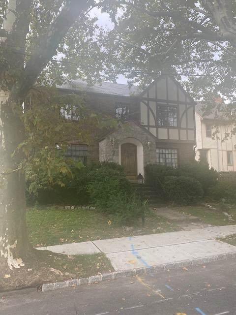 20 Hamilton Ave, Weehawken, NJ 07086 (MLS #210021742) :: Hudson Dwellings
