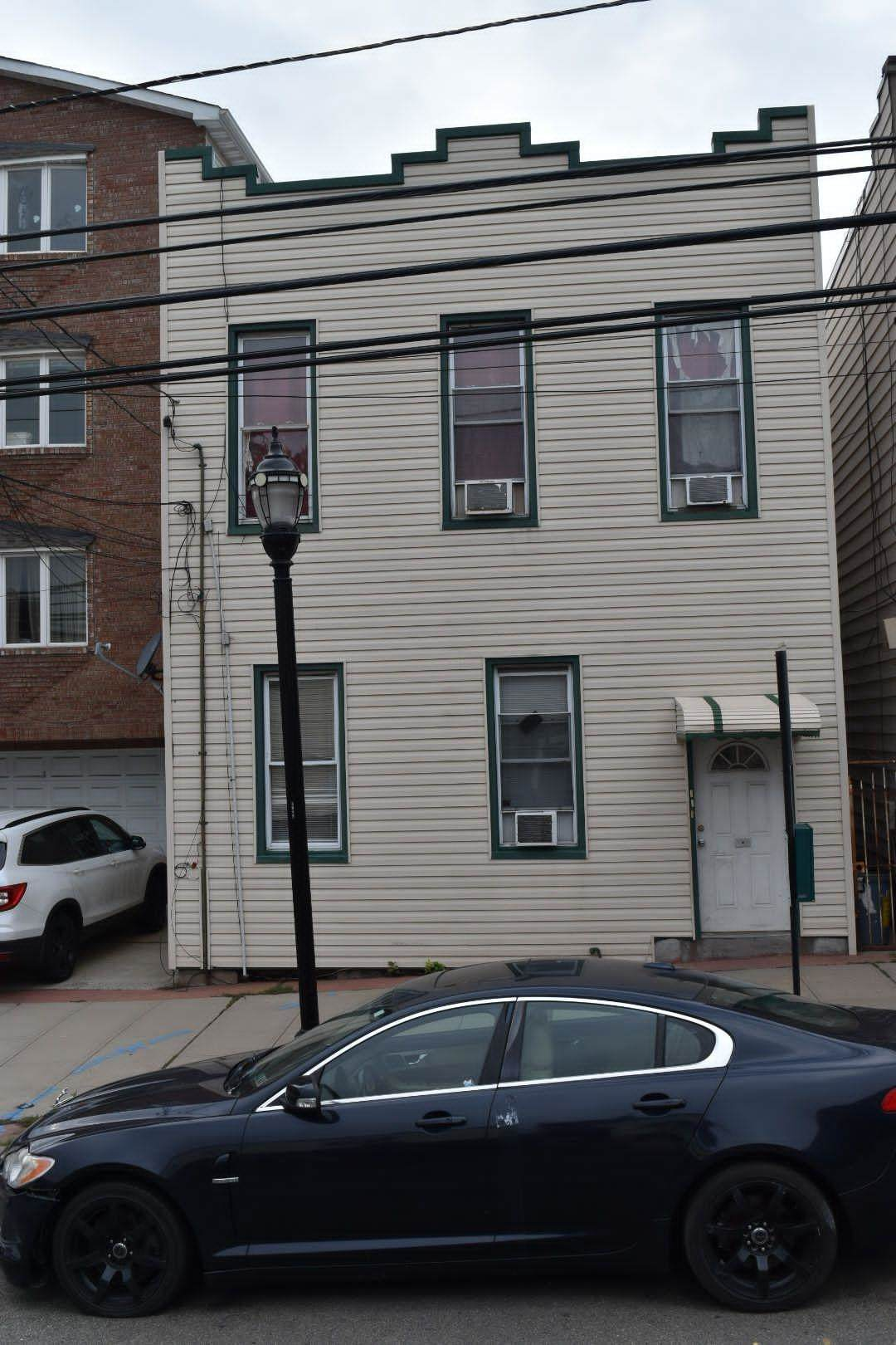 811 Central Ave - Photo 1