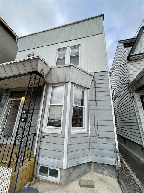 260 Ege Ave, Jc, West Bergen, NJ 07305 (MLS #210023869) :: The Danielle Fleming Real Estate Team