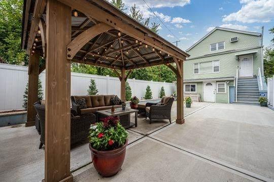 9 West 15Th St, Bayonne, NJ 07002 (#210024142) :: NJJoe Group at Keller Williams Park Views Realty