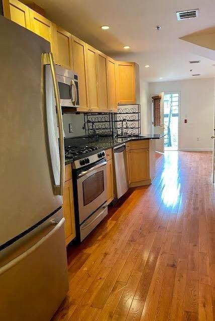 221 Clinton St 3L, Hoboken, NJ 07030 (MLS #210024263) :: Team Braconi | Christie's International Real Estate | Northern New Jersey