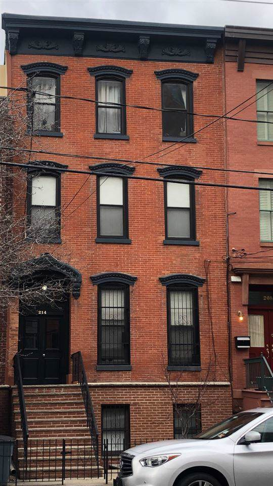 214 Grand St, Jc, Downtown, NJ 07302 (MLS #202001807) :: The Trompeter Group