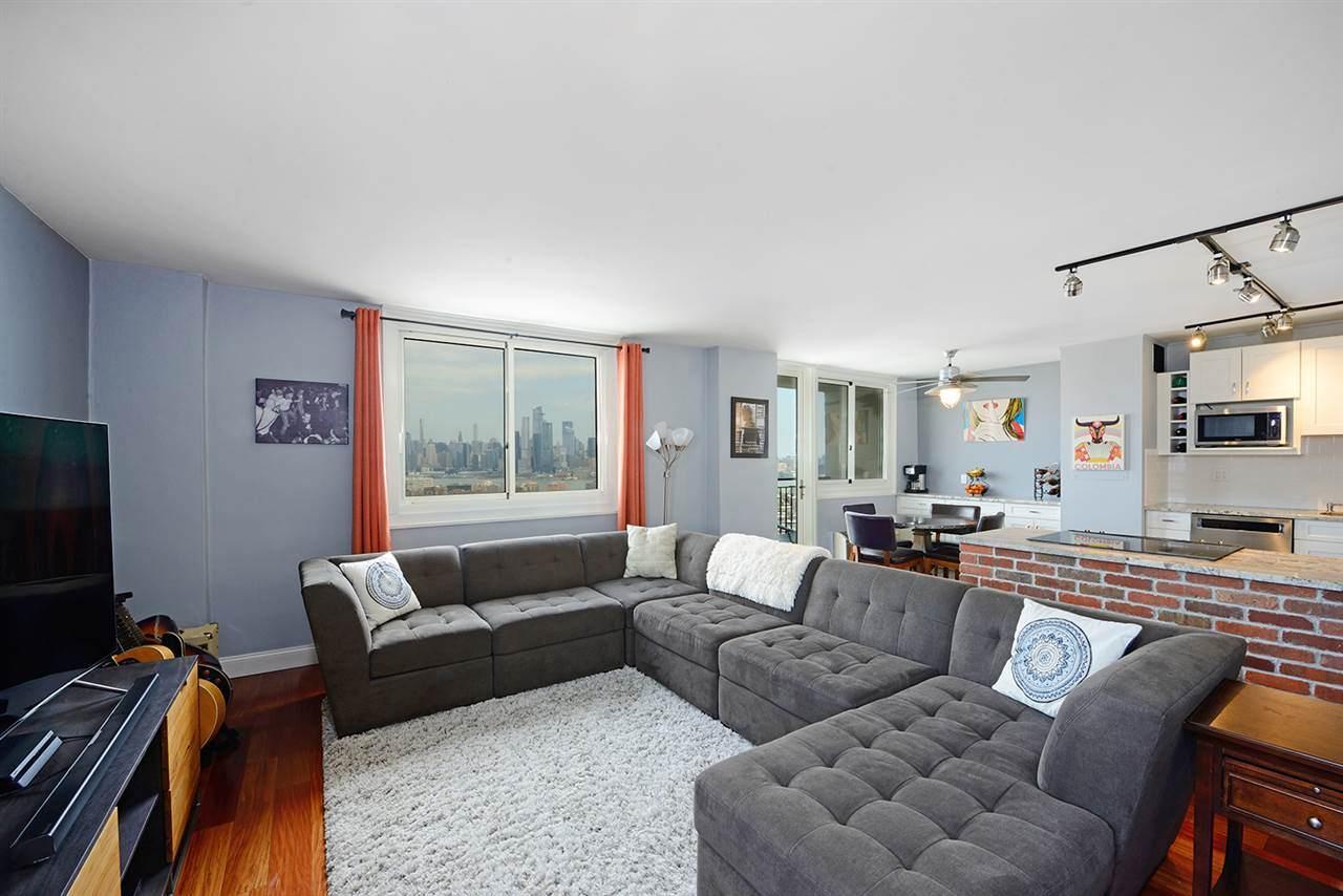 100 Manhattan Ave - Photo 1