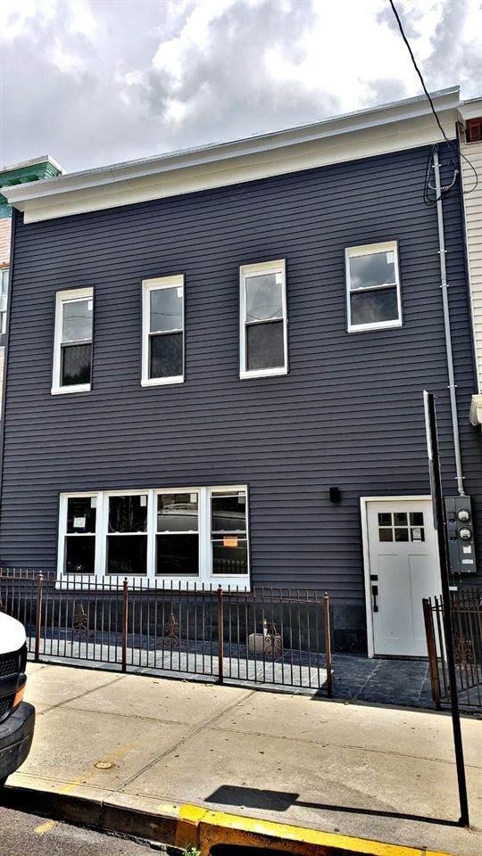 222 69TH ST, Guttenberg, NJ 07093 (MLS #202012241) :: The Bryant Fleming Real Estate Team
