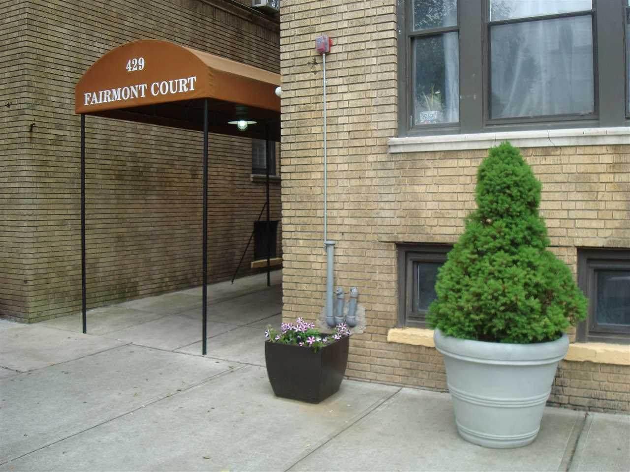 429 Fairmount Ave - Photo 1
