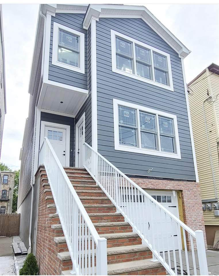 25 Armstrong Ave - Photo 1
