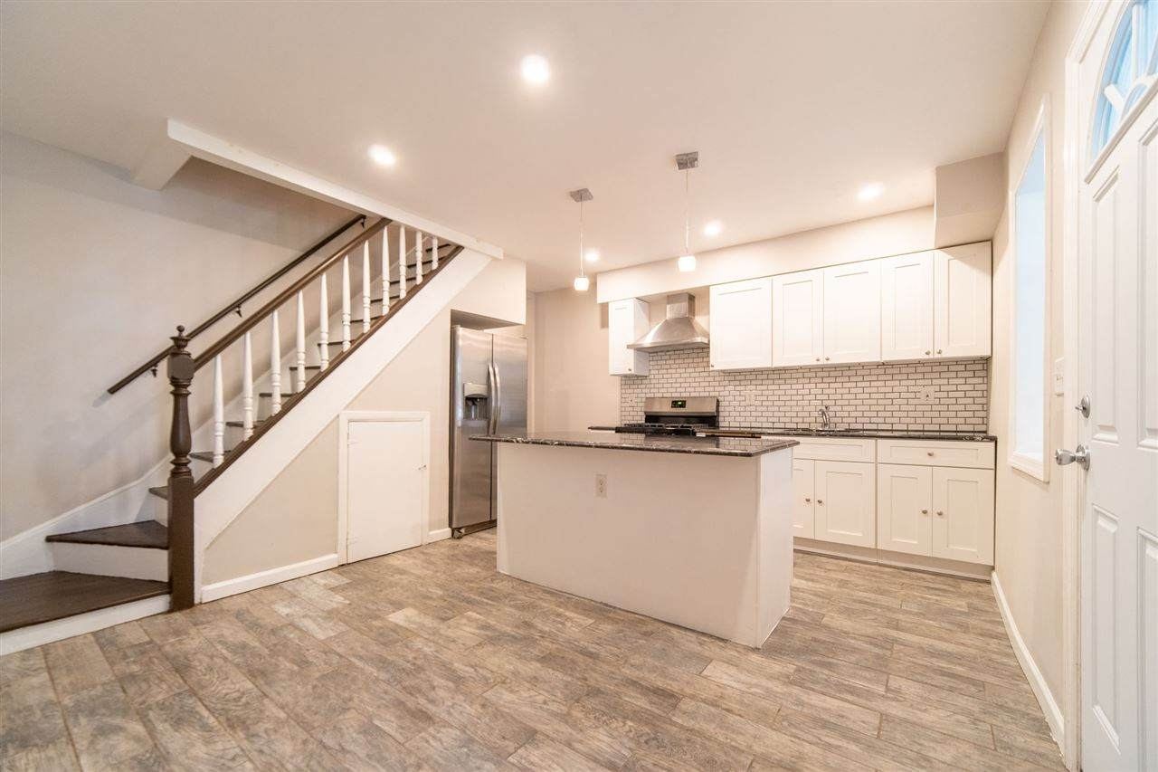 39A Romaine Ave - Photo 1