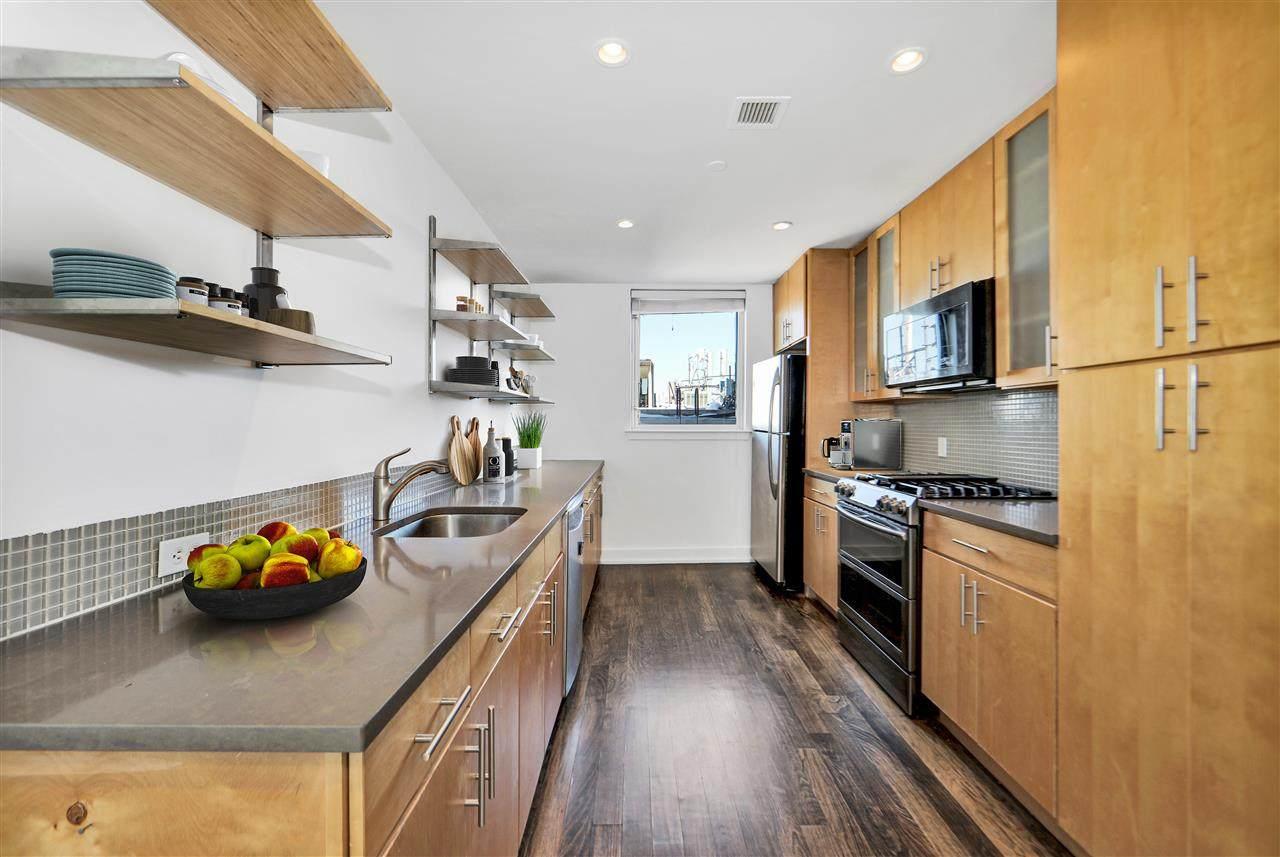 3312 Hudson Ave - Photo 1