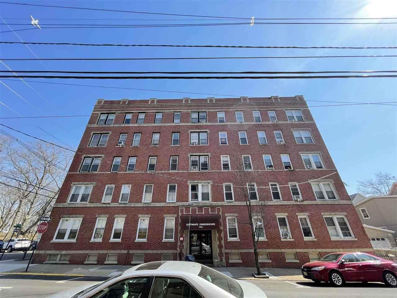 7812 Hudson Ave - Photo 1