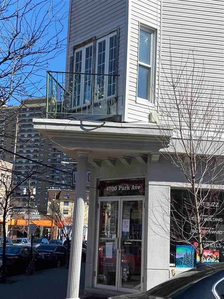 4700 Park Ave - Photo 1