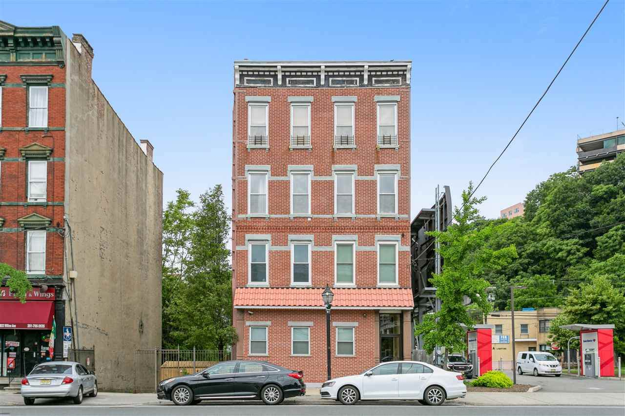 1826 Willow Ave - Photo 1