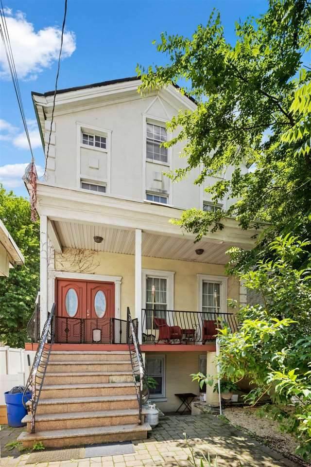 186 Summit Ave, Jc, Bergen-Lafayett, NJ 07304 (MLS #210013475) :: The Trompeter Group
