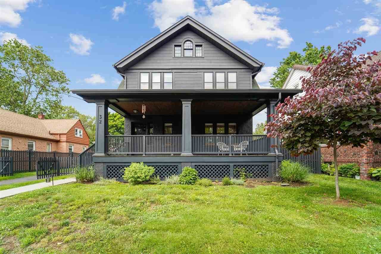 32 Brewster Ave - Photo 1