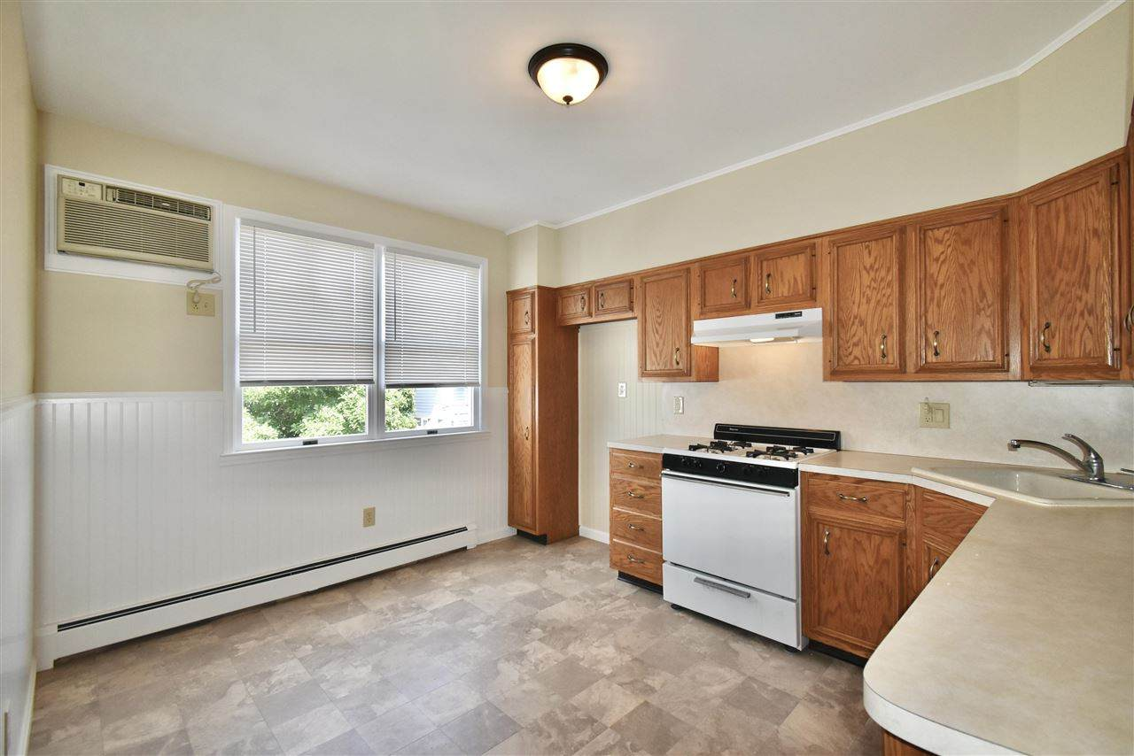 105 West 42Nd St - Photo 1