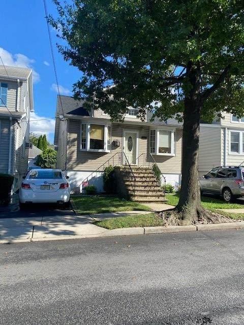 838 Roosevelt Ave - Photo 1