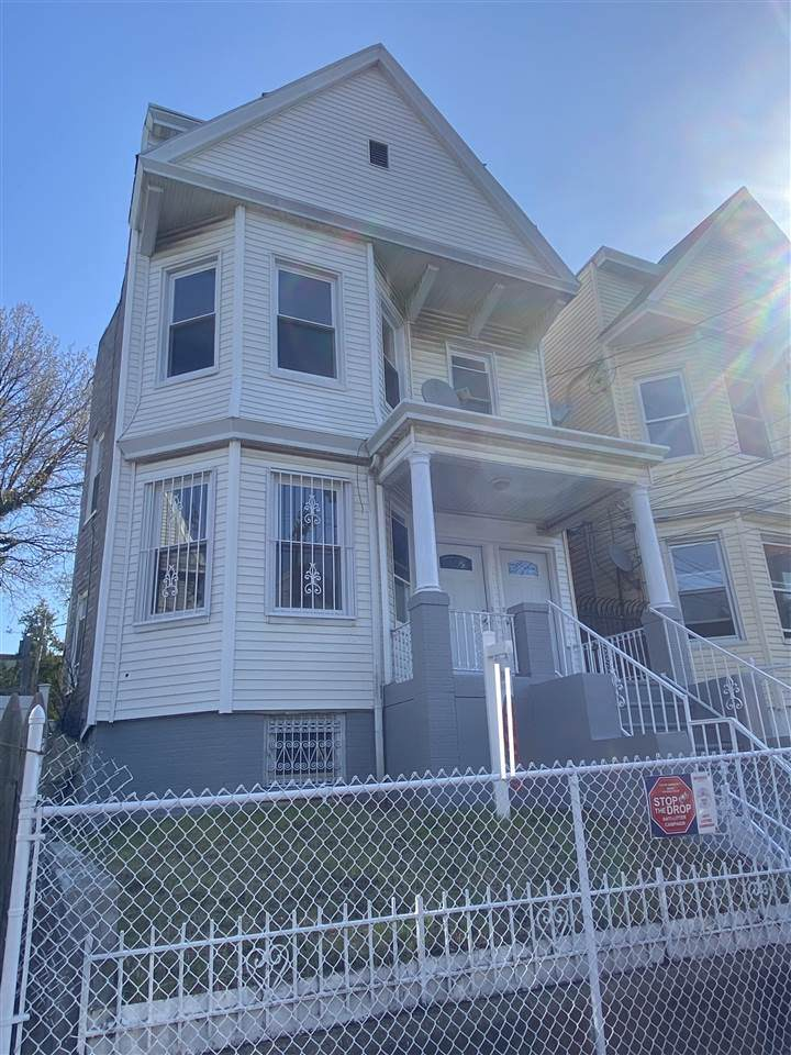 242 Bayview Ave - Photo 1