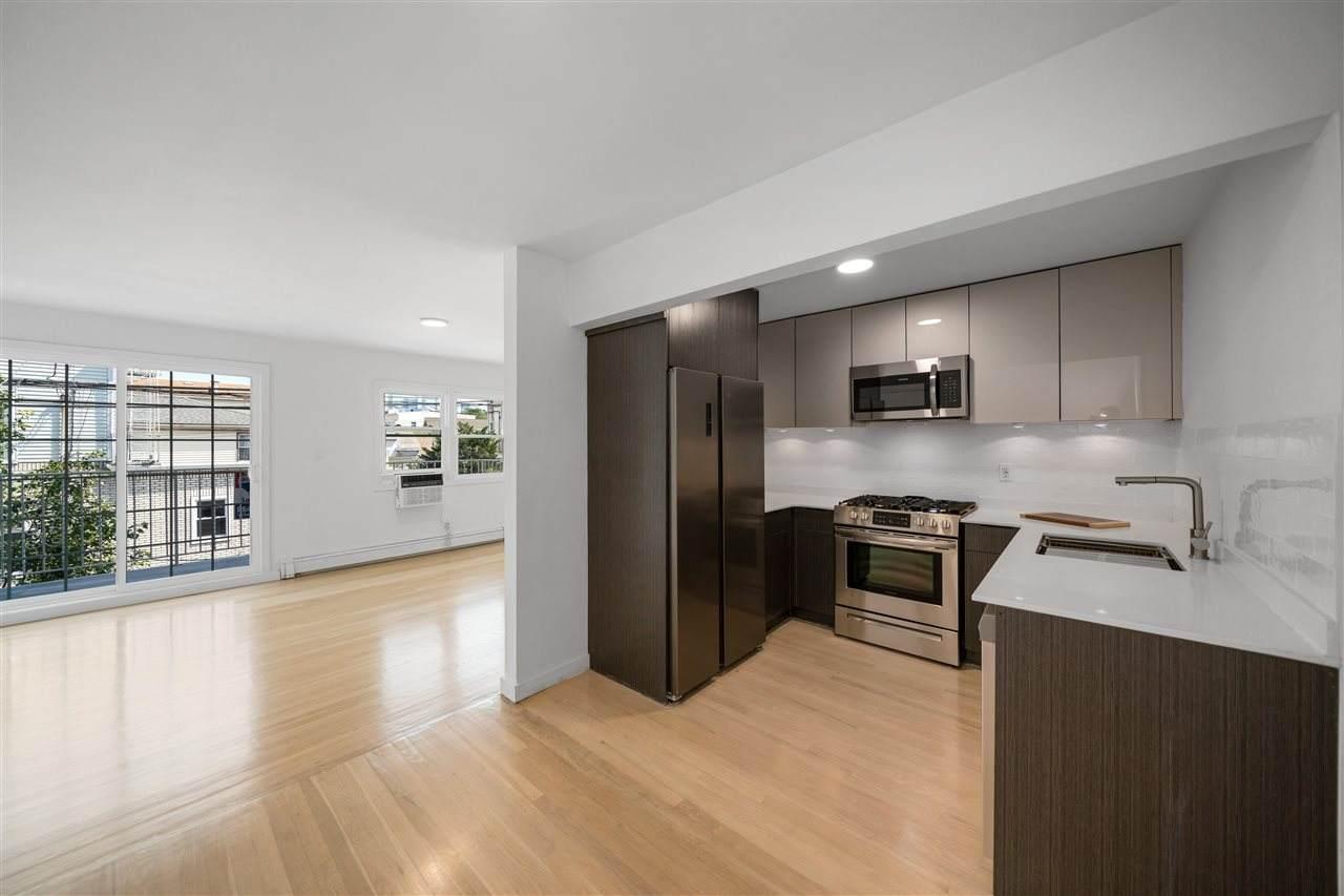 4013 Hudson Ave - Photo 1