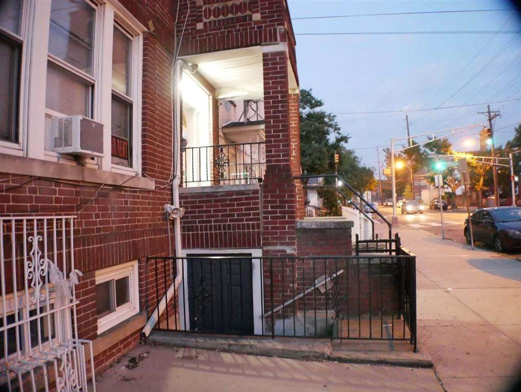 326 Sip Ave - Photo 1