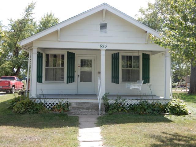 623 W Mary, Beatrice, NE 68310 (MLS #10140666) :: Nebraska Home Sales