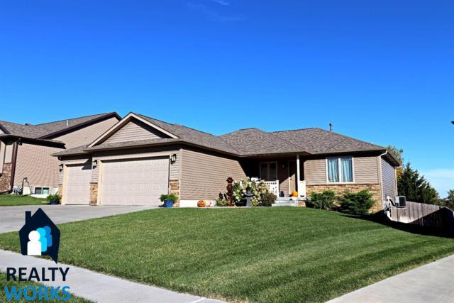 8020 Mandalay Avenue, Lincoln, NE 68516 (MLS #10141234) :: Nebraska Home Sales