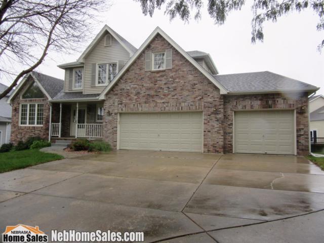 7230 Beaver Hollow Circle, Lincoln, NE 68516 (MLS #10141369) :: Nebraska Home Sales